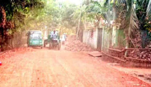 নবীগঞ্জ-ইনাতগঞ্জ সড়ক : সংস্কার কাজে ধীরগতি, ভোগান্তি