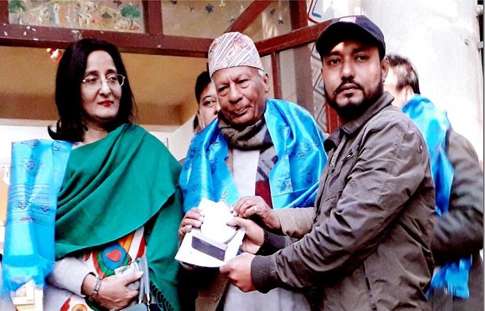 চিত্রকর্ম নিয়ে নেপাল ঘুরে এলেন কুলাউড়ার জিয়া