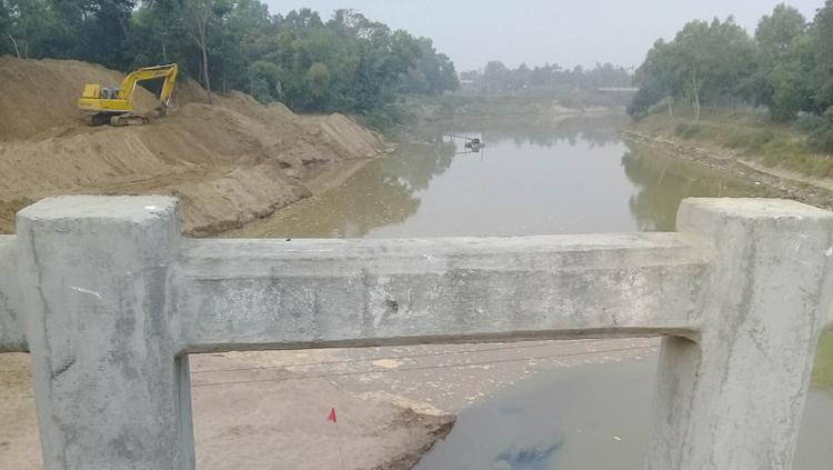 কমলগঞ্জে ধলাই নদীর চর অপসারণ শুরু