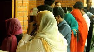 হোটেলে অসামাজিক কাজ, ৫ নারী-পুরুষ আটক