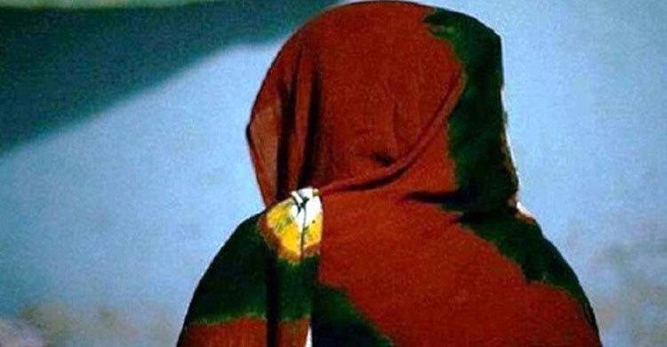 ক্যান্সার থেকে সুস্থ হয়েই প্রেমিকের হাত ধরে উধাও প্রবাসীর স্ত্রী